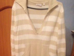 Продаю свитерок трикотаж 46-48р в отличном состоян