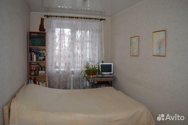 Продается двухкомнатная квартира за 1 600 000 рублей. Киров, улица Горького, 56/27.