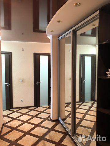 Продается двухкомнатная квартира за 3 200 000 рублей. Курск, проспект Вячеслава Клыкова, 5, подъезд 2.